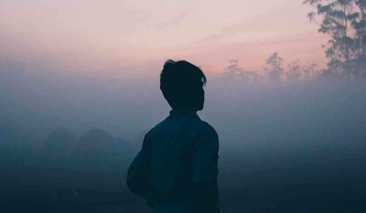 reasons-long-distance-relationship-fails-sadness